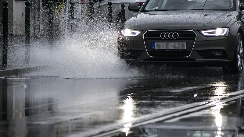 Csak akkor üljön autóba, ha muszáj! - veszélyre figyelmeztet a Magyar Közút