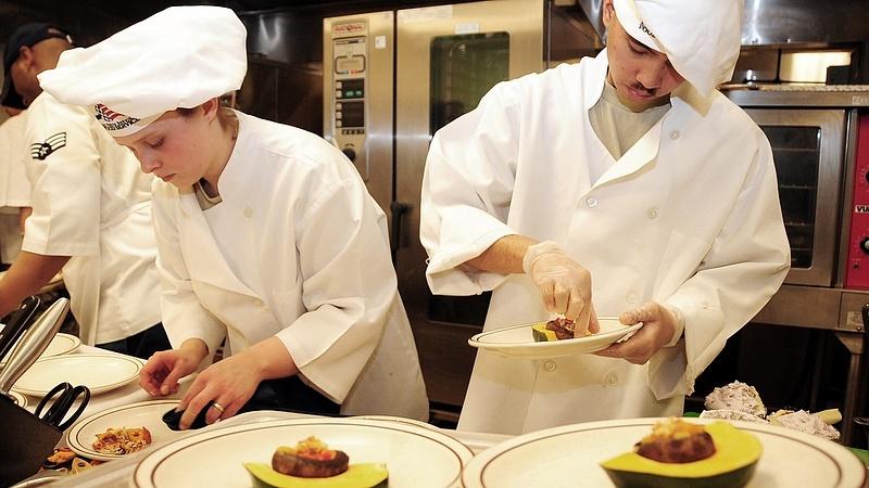 A dolgozó fiatalok nagy része nem vár komolyabb fizetésemelést