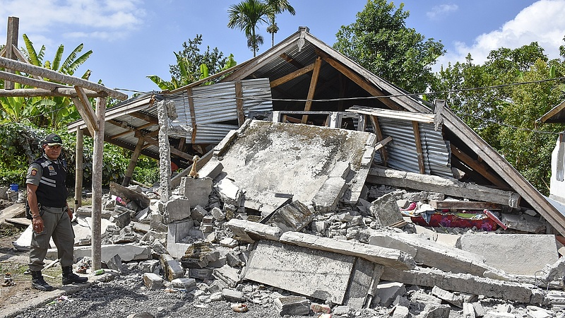 Több mint 200 hegymászót vágott el a világtól az indonéz földrengés