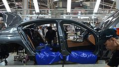 Komoly nehézségekbe ütközhet a BMW - veszélyben a magyar beruházás?