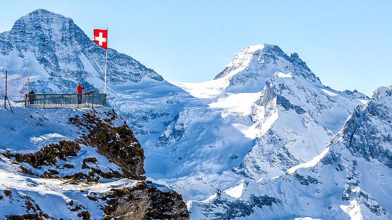 A gazdag Svájc is rálépett a fékre
