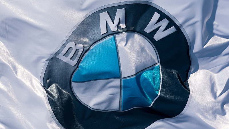 Több mint másfél millió autót hív vissza a BMW