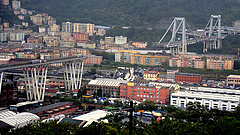 Leszakadt egy autópályahíd Olaszországban - több mint 30-an meghaltak