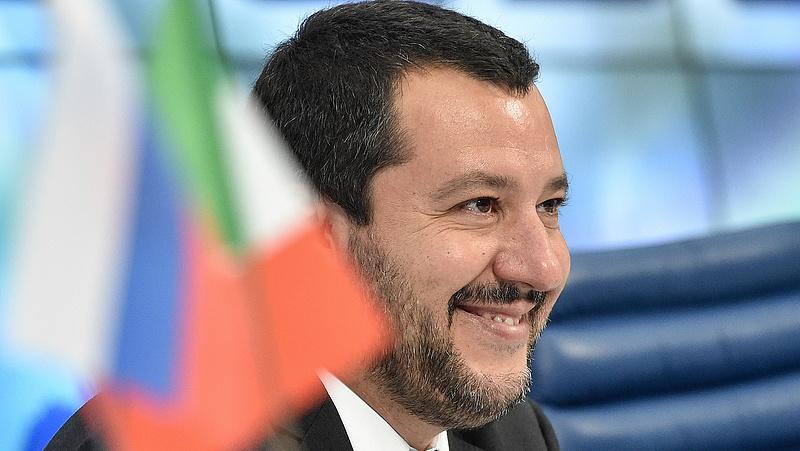 Migrációs-válság: Salvini a repterek lezárásával fenyegetőzik