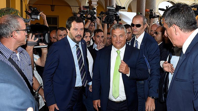 Matteo Salvini lépett, számít a fideszes politikusokra