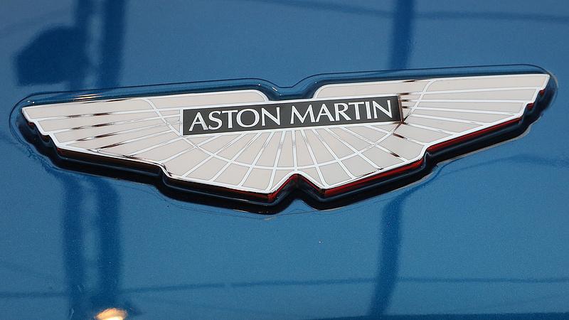 Elküldték az Aston Martinnal közlekedő volt bécsi magyar nagykövetet