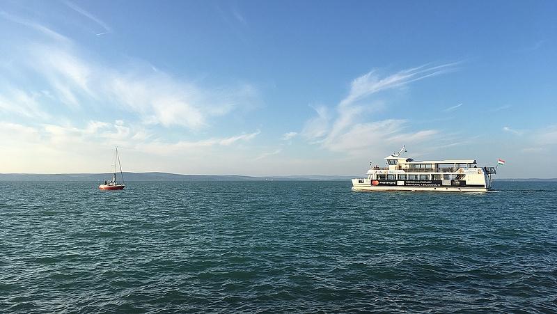 Döntöttek: kiárusítják a Balaton-partot