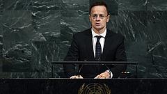 Szijjártó keménykedett a NATO-csúcson