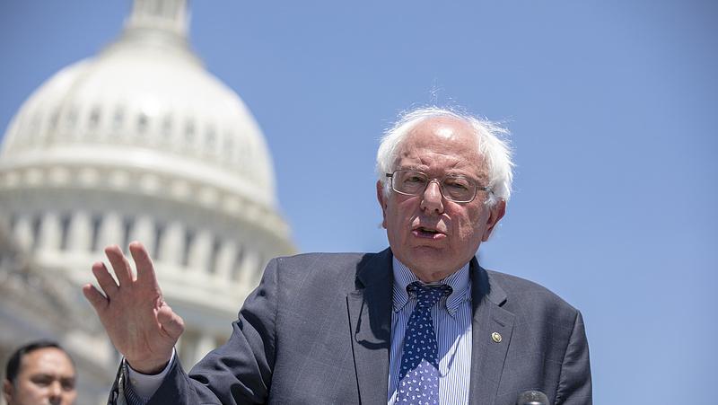 Bernie Sanders kevesebb mint 24 óra alatt egymillió dollár támogatást kapott