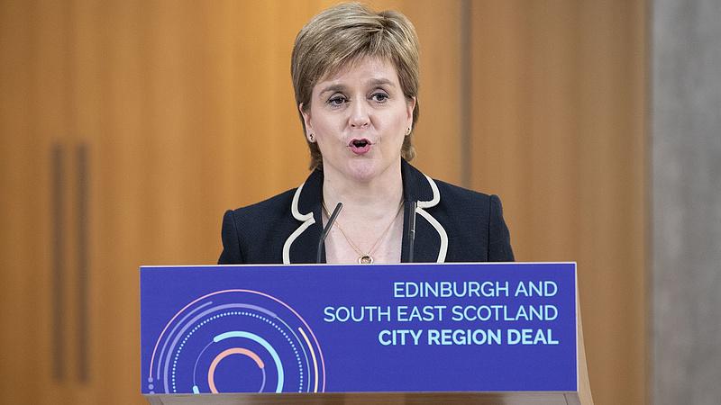 Bombát robbantanak a skótok a brexitben
