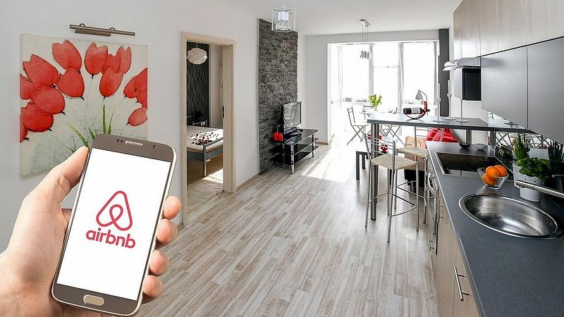 Lépéseket tesz az Airbnb, megúszhatja a bírságot