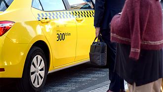 Komoly bajba kerültek a taxisok