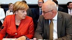 Leváltották Angela Merkel bizalmasát
