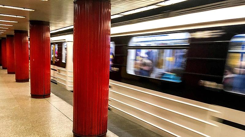 Kulcsfontosságú rendszer omlott össze a metrón