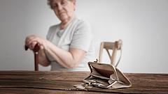 Jelentős nyugdíjemelési javaslatot terjesztettek be az Országgyűléshez az MSZP-sek