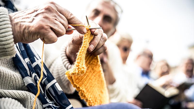 Aggódhatnak a nyugdíjasok: bő két évtizede van a jelenlegi rendszernek