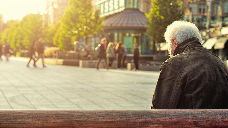 Nyugdíjemelés: új javaslat kerül a kormány elé, megszólalt az államtitkár