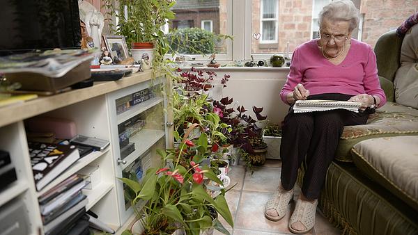 Egyre többen pályáznak a nyugdíjasok lakására, az MNB a veszélyekre figyelmeztet