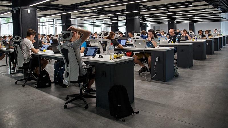 Döntött a kormány: olcsó, külföldi munkaerővel töltenék fel a hiányszakmákat