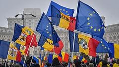 Meghátrált a román kormány az igazságügyi módosításokban