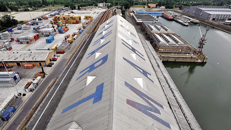 Elkészült a Csepeli Szabadkikötő területén a mobil árvízvédelmi fal