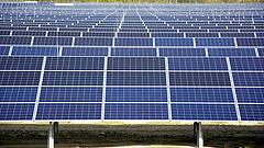 Működésbe lépett az ország legnagyobb naperőműve
