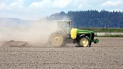 Nagy a baj a földeken - vészhelyzet kihirdetését kérik a gazdák