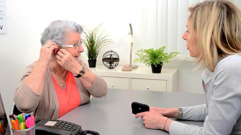 Nagyot buknak a nyugdíjasok a Nők40-nel: itt a megdöbbentő állítás