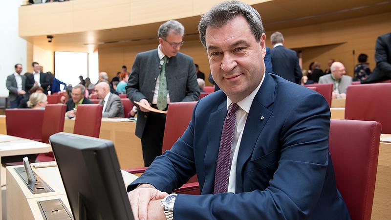 Harc indult a kancellári székért - Merkel mégis mehet