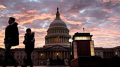 Újraválasztották az amerikai szenátus vezetőit