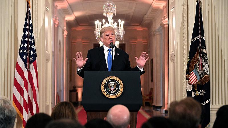 Döntöttek, megregulázza az újságírókat a Fehér Ház