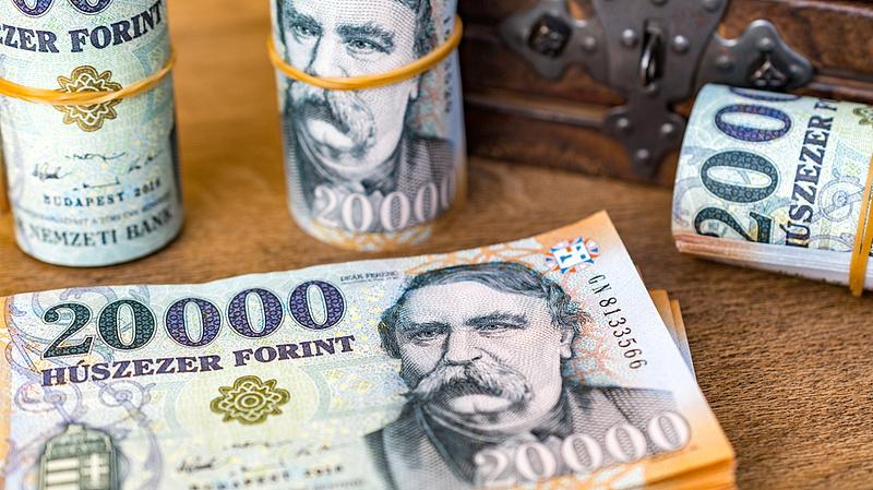 Készpénz: 5 697 200 000 000 forintnál tartunk