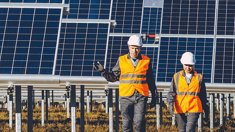 A napenergiában bővít a Mol