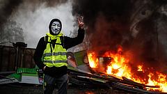 Párizsi zavargások: a francia miniszterelnökkel egyeztethetnek a sárgamellényesek