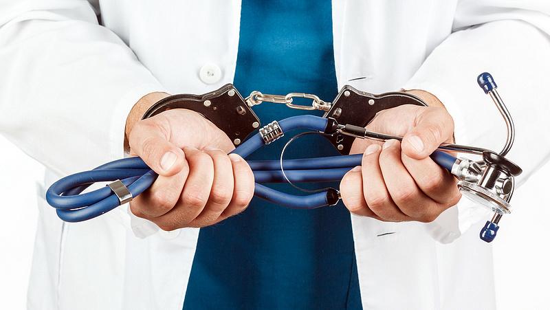 Nagyon megjárhatják álhíreket terjesztő orvosok Belgiumban