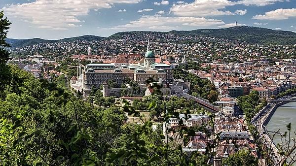 Budapest zsugorodik