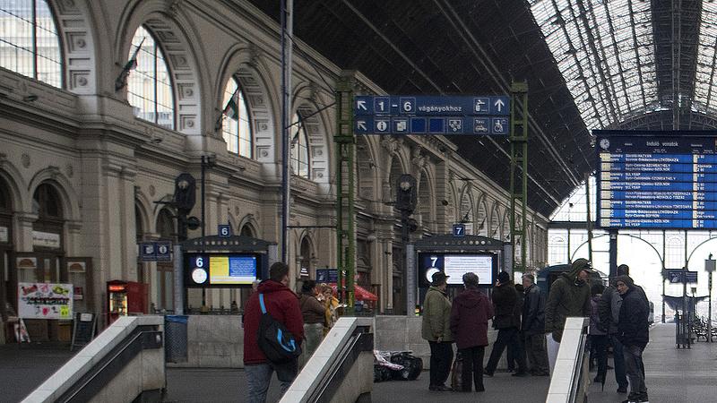 Felújítás miatt az egyik legforgalmasabb vasútvonalon fennakadások várhatók