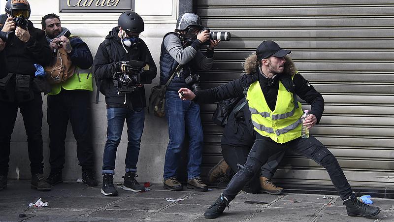 Párizsi zavargások: több mint 1700 embert vettek őrizetbe