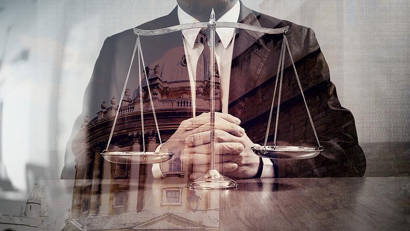 Jelentős fizetésemelést kapnak a bírák és ügyészek
