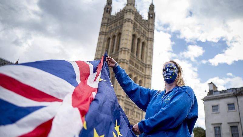 Hamarosan nagy pofont kaphat a brexit
