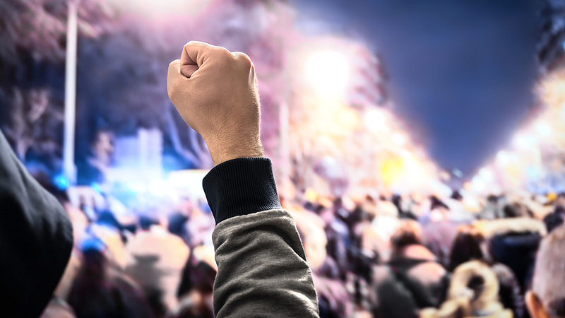 A magyarok 60 százaléka zavargásoktól várja a kormány bukását