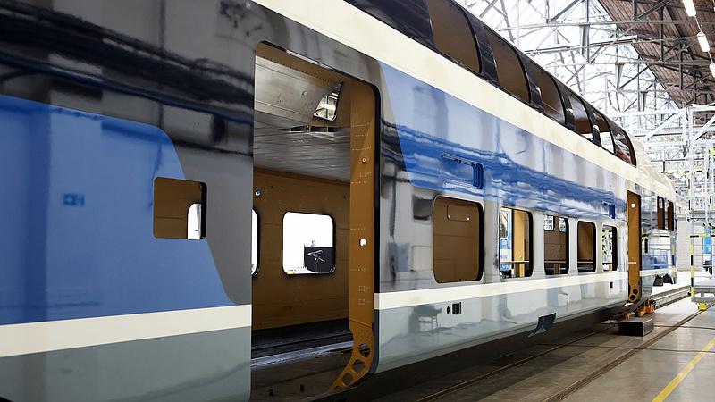 Újabb emeletes vonatok jönnek a pályaudvarokra