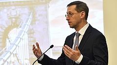 Varga Mihály elárulta, végül miért nem csökken a tranzakciós illeték