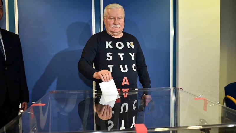 Polgárháború jöhet Lengyelországban a legendás politikus szerint