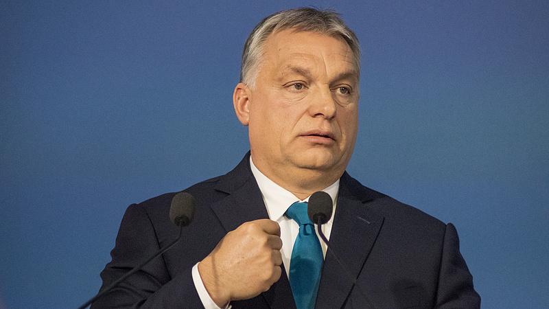 Felszólítást kapott Orbán - elmulasztotta törvényi kötelezettségét