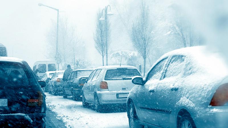 Hóesés kontra parkolójegy: mi a teendő?