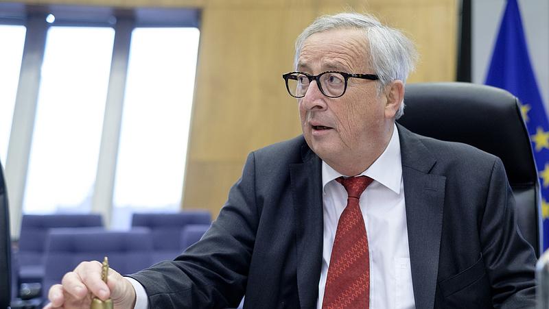 Orbánnak is üzent Juncker