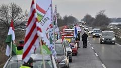 Megszületett egy rég várt egység - Tatabányán volt a legnagyobb vidéki tüntetés