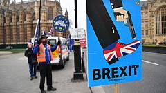 Brexit-sikoly: pokolba a miniszterelnökkel!