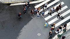 Gyalogosokat büntethetnek a szomszédban